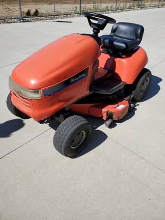 Photo Simplicity hydro 14 riding lawnmower - $300 (Jackson)