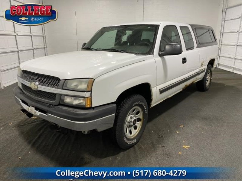 Photo Used 2005 Chevrolet Silverado 1500 4x4 Extended Cab for sale