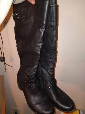 Photo White mountain knee high boots s8.5 - $30 (jackson)