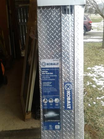 Photo slim truck bed tool box..new - $110 (concord)