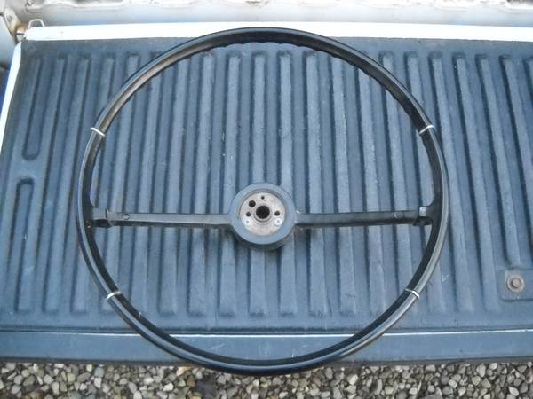Photo 1966 Chevy Chevelle black steering wheel - $70 (PawPaw)