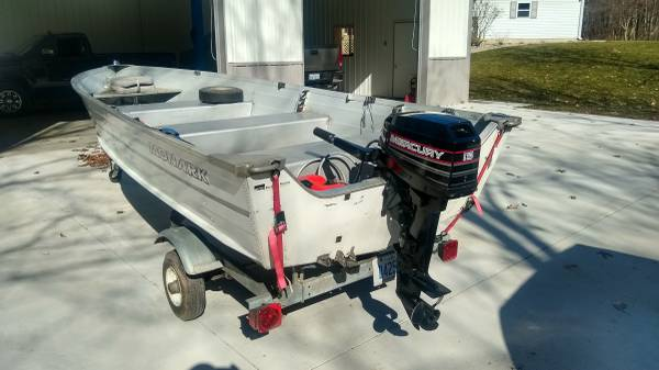 Photo 1995 14 ft Monark Fishing Boat - $2000 (Delton)