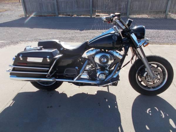 Photo 2004 Harley Davidson Roadking Police - $4,350 (Bay City Mile Maker)