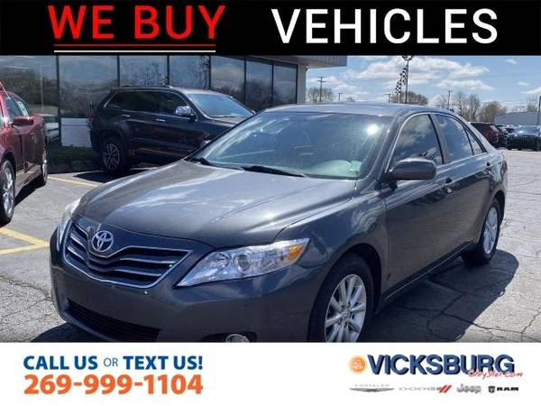 Photo 2011 Toyota Camry LE - $10975