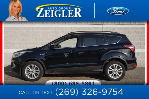 Photo 2017 Ford Escape SE Tech Pkg - $18,550 (_Ford_ _Escape_ _SUV_)