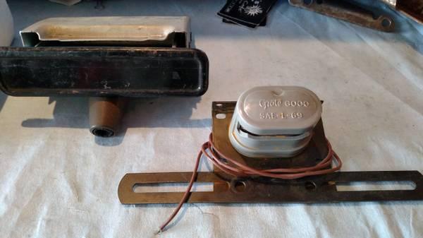 Photo 67-72 Chevy gmc Truck nos.Ash tray assm.Lic plate bracket - $60 (three rivers,mich)