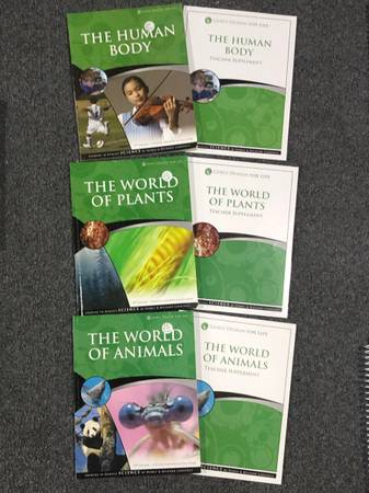 Photo Gods design for life homeschool science books the world of plants the human body - $30 (Kalamazoo)