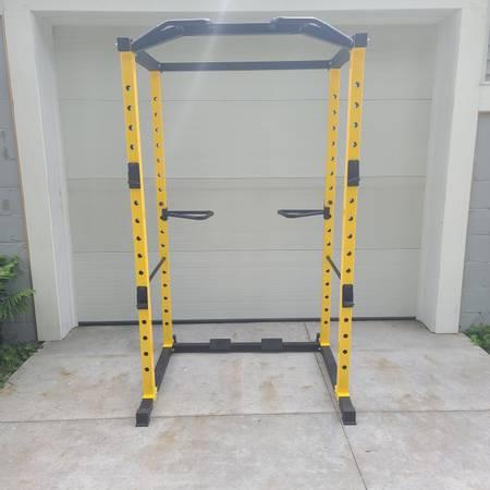 Photo Hulk Fit 1000 LB capacity power cage - $300 (Allegan)
