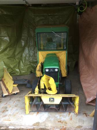 Photo John Deere Garden Tractor w Snow Blower  Plow Blade - $700 (Kalamazoo)