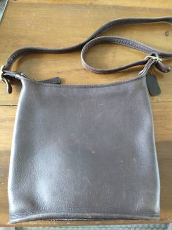 Photo Leather coach Purse - $100 (Kalamazoo)