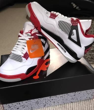 Photo Nike Air Jordan Retro 4 Fire Red sz 10 - $275 (Kalamazoo)