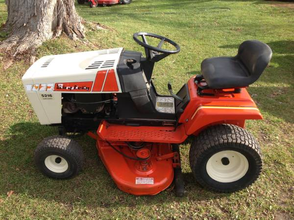 Photo Simplicity 5216 Hydrostatic lawn tractor mower some trades ok - $500 (Bellevue)