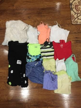 Photo Size 16-18 Clothing Bundle - $15 (Kalamazoo)