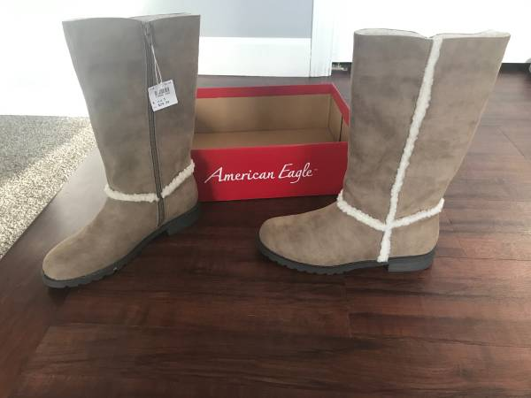 Photo Size 5 American Eagle girls boots - $15 (Portage)