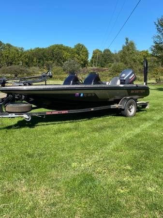 Photo Skeeter Bass Boat - $7,995 (kalamazoo)