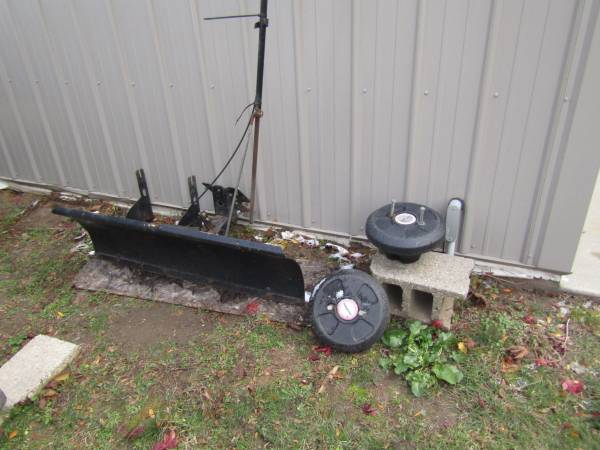 Photo Snow blade for Craftsman tractor - $80 (Richland)