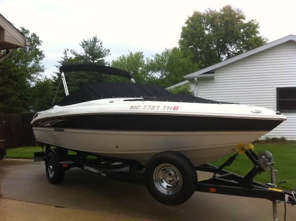 Photo Speed Boat for Sale 2010 225LR Stingray - $23,900 (Kalamazoo, Michigan)