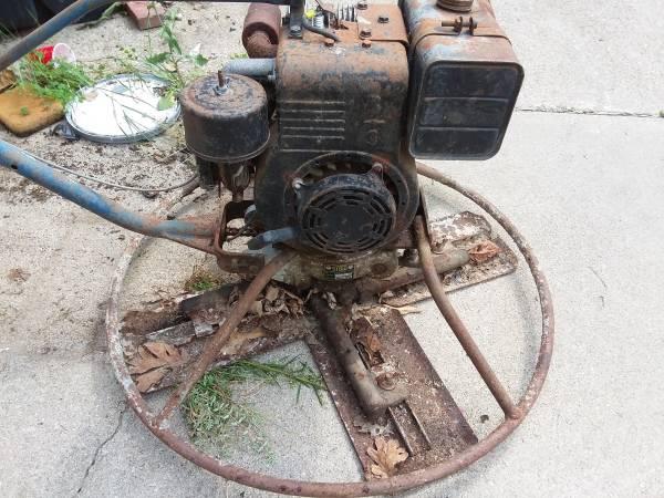 Photo Stow concrete trowel machine - $300 (DELTON)