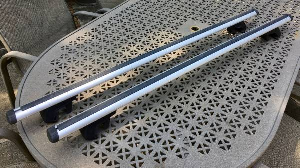 Photo Thule Roof Rack 48quot Load Bars - for raised side rails - $125 (Kalamazoo)