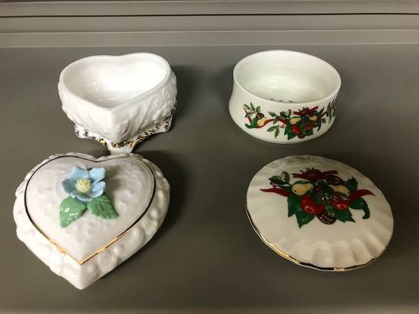 Photo 2 Heritage House Porcelain Collector Edition boxes - $29 (Whitefish)