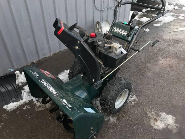 Photo 30 inch Craftsman Snow Blower - $650 (Evergreen)
