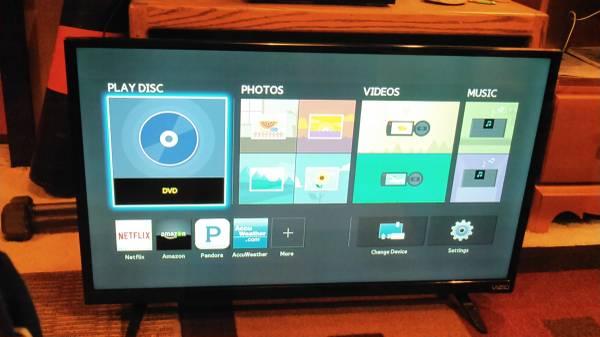 Photo 32 inch Vizio flatscreen tv - $30 (Whitefish)