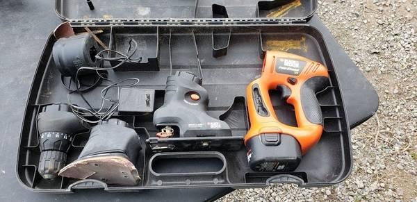 Photo Black and Decker MT1203 Firestrom 12 Volt Multi tool set - $20 (Kalispell)