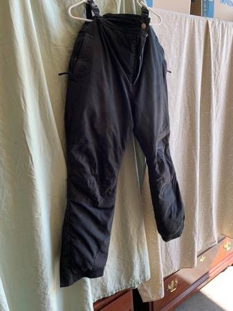 Photo Cabelas mens winter pants - $25 (Kalispell)