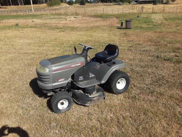 Photo Craftsman lawn tractor - $375 (Polson)