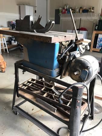 Photo Craftsman table saw - $30 (Columbia Falls)