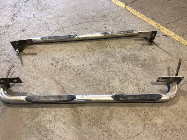 Photo DEE ZEE CHROME SIDE STEPSNERF BARS FOR DODGE CREW CAB TRUCK - $120 (WHITEFISH)