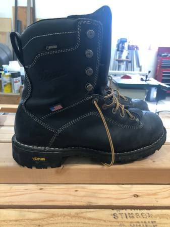 Photo Danner Quarry Boots 10.5 - $150 (Kalispell, MT)
