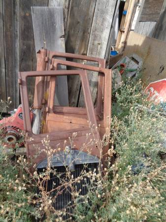 Photo Ford Model T Parts - $4,000 (hot springs)