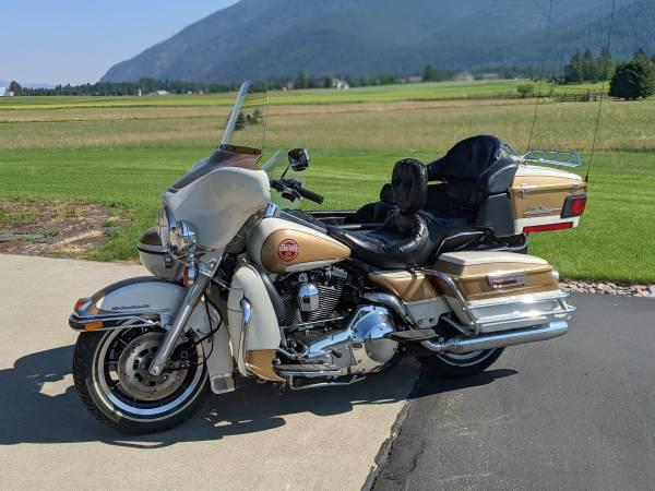 Photo Harley Davidson with Sidecar - $15,500 (Kalispell)