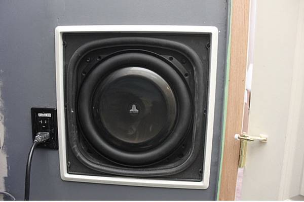 Photo JL Audio In Wall Subwoofer enclosure - $1,500 (Kalispell)