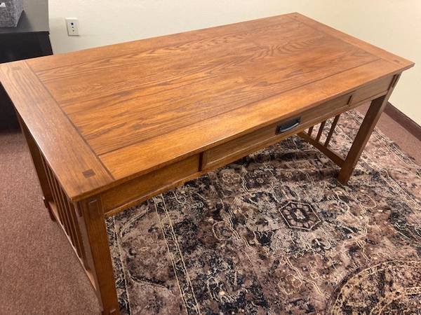 Photo REDUCED to $125 Mission Style Solid Oak Desk - $200 (Whitefish)