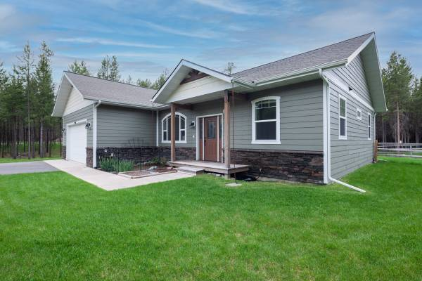 Photo Single Level Craftsman Home on 1acre (Marion)