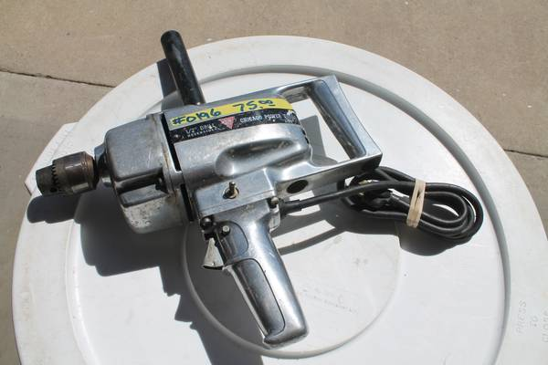 Photo Vintage Mo. 1520 Chicago Power Tools H.D. 123939 Reversible Drill - $75 (Polson)