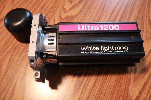 Photo WHITE LIGHTNING ULTRA 1200 PAUL C. BUFF, INC Monolight Studio Flash St - $79 (Kalispell)