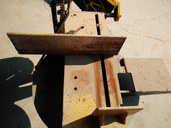 Photo Wells Metal Band Saw .5 hp w 1  3 Stage Motors - $600 (Somers)
