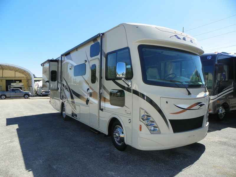 Photo Used 2017 Thor Motor Coach Class A RV