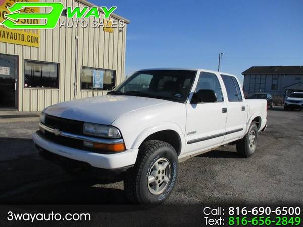 Photo 03 CHEVY S10, 4 DOOR, 4X4, AS LOW AS 2K DOWN  $72 PER WEEK - $9,995 (GUARANTEED CREDIT APPROVAL NO CREDIT CHECKS)