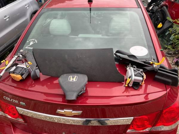 Photo 07 - 08 Honda Fit air bags and seat belt - $1 (Kansas City mo)