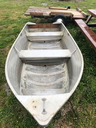Photo 12 ft V-bottom john boat - $300 (Baldwin City)