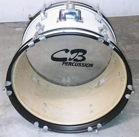 Photo 18quot CB Percussion Bass drum - $50 (Blue Springs)
