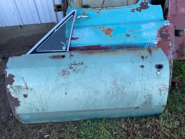 Photo 1968 1969 PONTIAC GTO CHEVROLET CHEVY CHEVELLE DRIVERS SIDE DOOR - $150 (Houstonia)