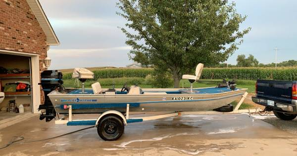 Photo 1979 Fisher Marine Aluminum Bass Boat - $3,000 (Basehor)