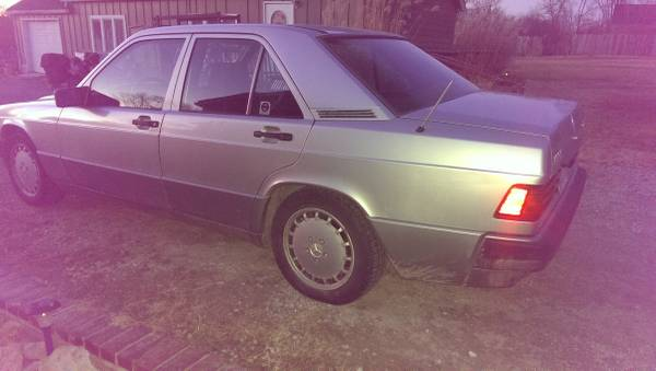 Photo 1991 Mercedes Benz 190e 2.3L - $1800 (Stilwell)