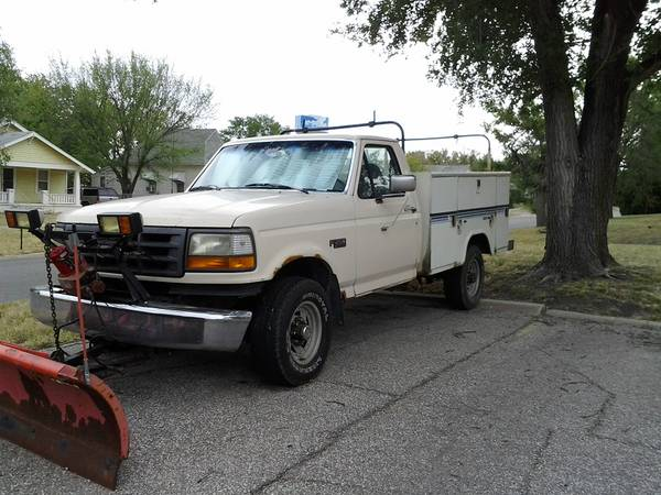 Photo 1993 Ford F-250 Utility Bed 4-wheel drive snow plow truck - $3,500 (NEWTON)