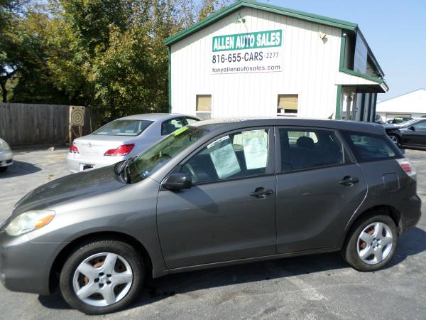 Photo 2005 TOYOTA MATRIX XR, 5 SPEED, RECENTLY SERVICED AND READY TO GO. - $4,500 (Pleasant Hill)